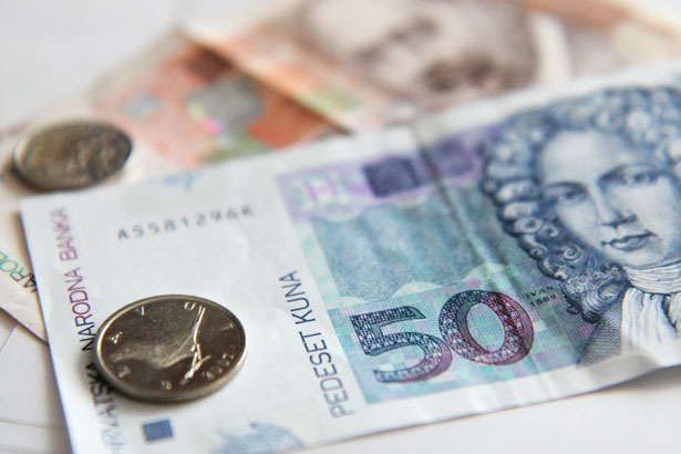 Croats Spending Less
