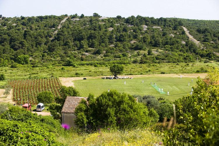 International Cricket Returns to the Island of Vis