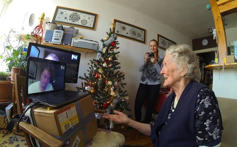 Perfect Christmas Gift: Mother Sees Son Again After 60 Years