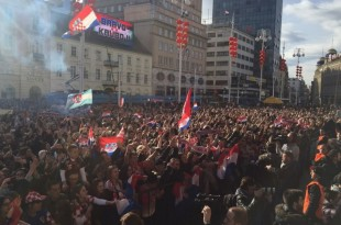 Ban Jelačić square packed to welcome home the team (photo: HRS)
