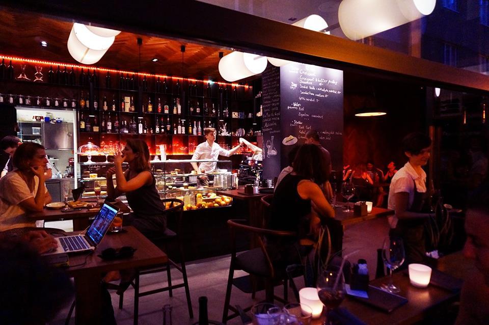 Dežman bar (photo: Facebook)