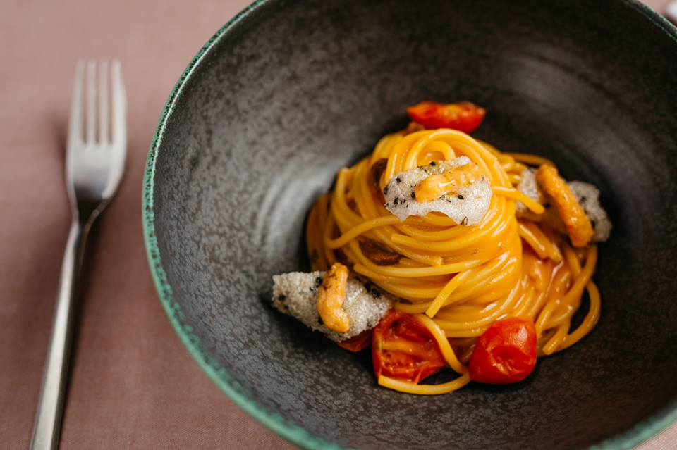 Spaghetti with sea urchins at Pelegrini