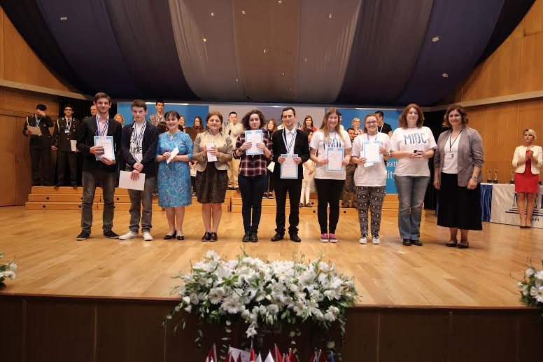 The Croatian students with their second place awards