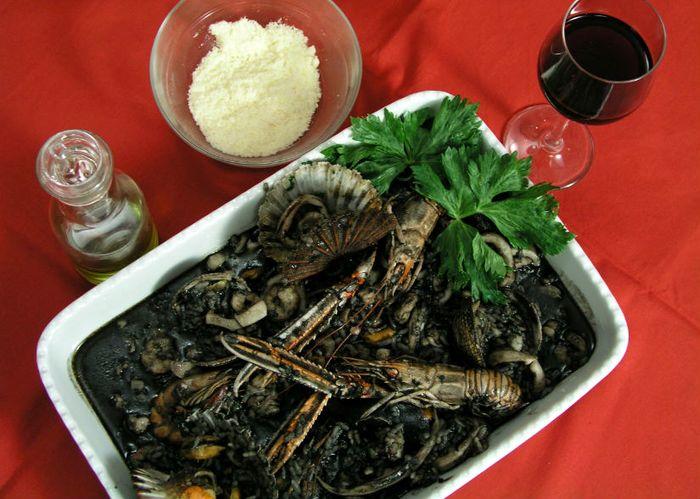 Crni rižot (photo credit: finirecepti)