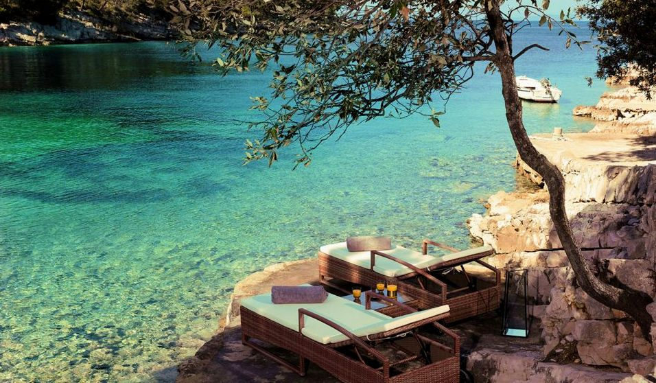 Photos charming new secluded boutique hotel opens on for Boutique hotel view
