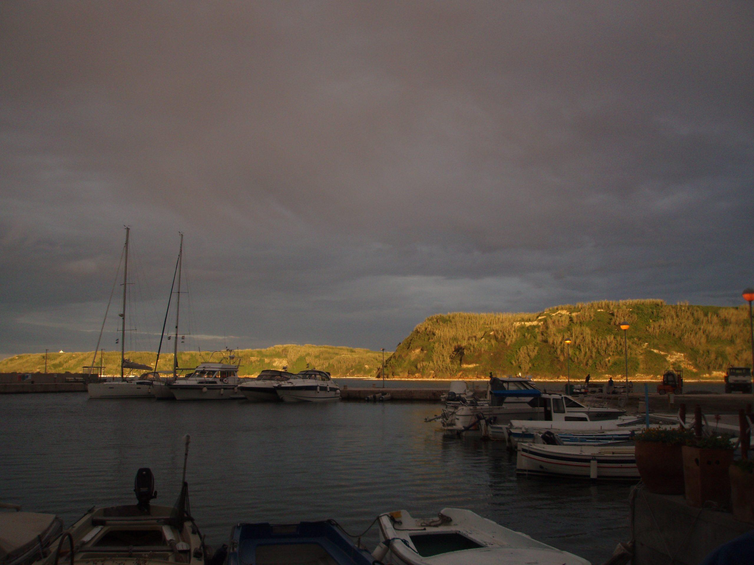 Dusk in Susak's harbour.
