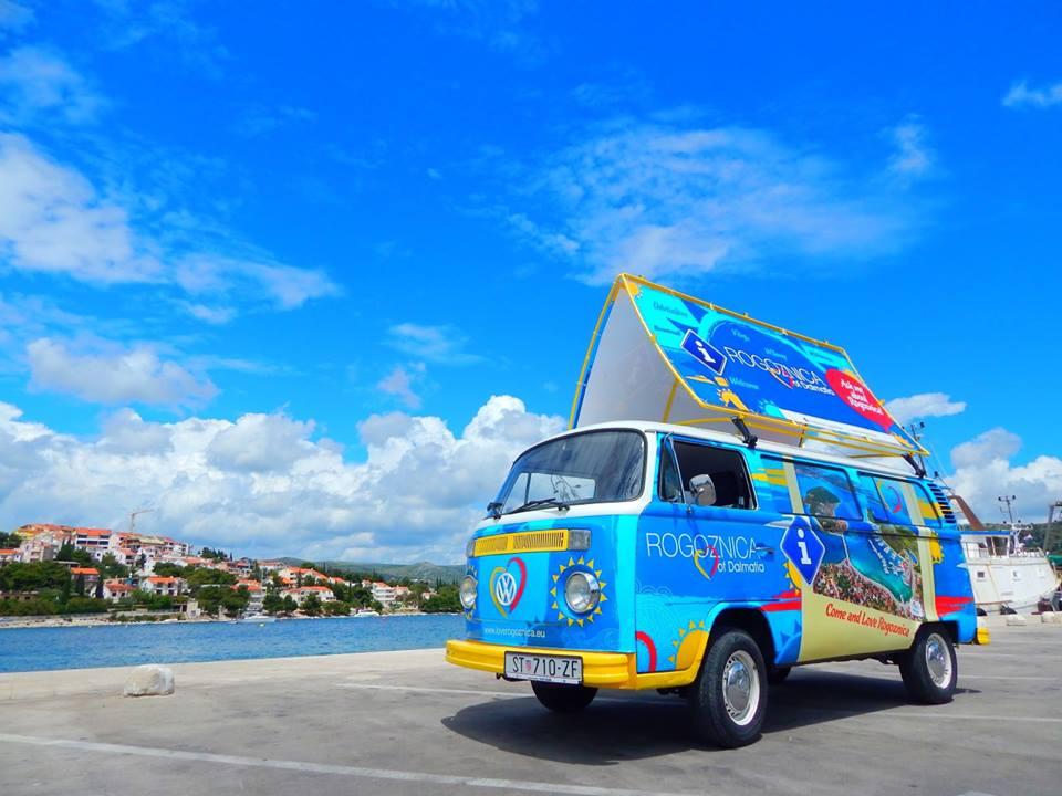 First mobile tourist office in Croatia (photo: Rogoznica Tourist Board)