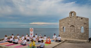 Yoga summer series starts (photo PR)