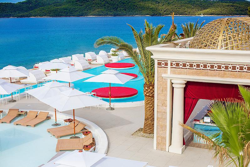[PHOTOS] Check Out the New En Vogue Beach Club in Šibenik