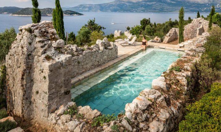 [PHOTOS] Exquisitely Renovated 15th Century Dalmatian Stone House