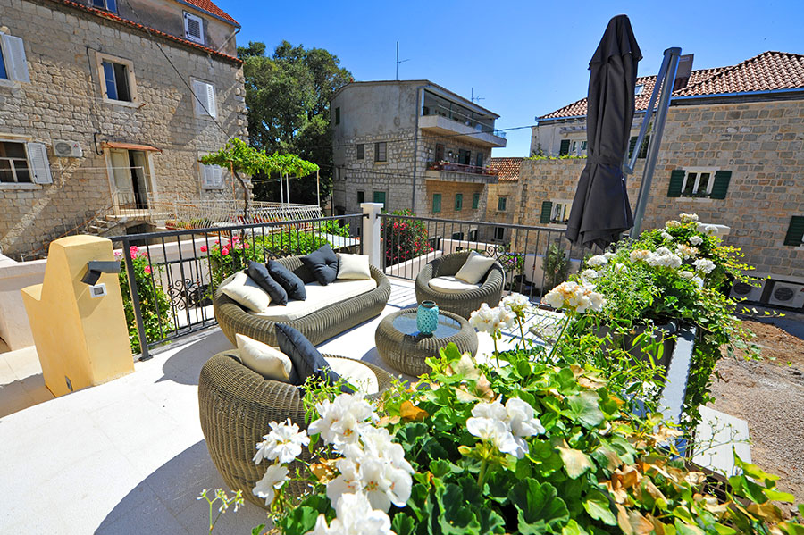 [PHOTOS] Charming Intimate Boutique Hotel Opens in Heart of Split