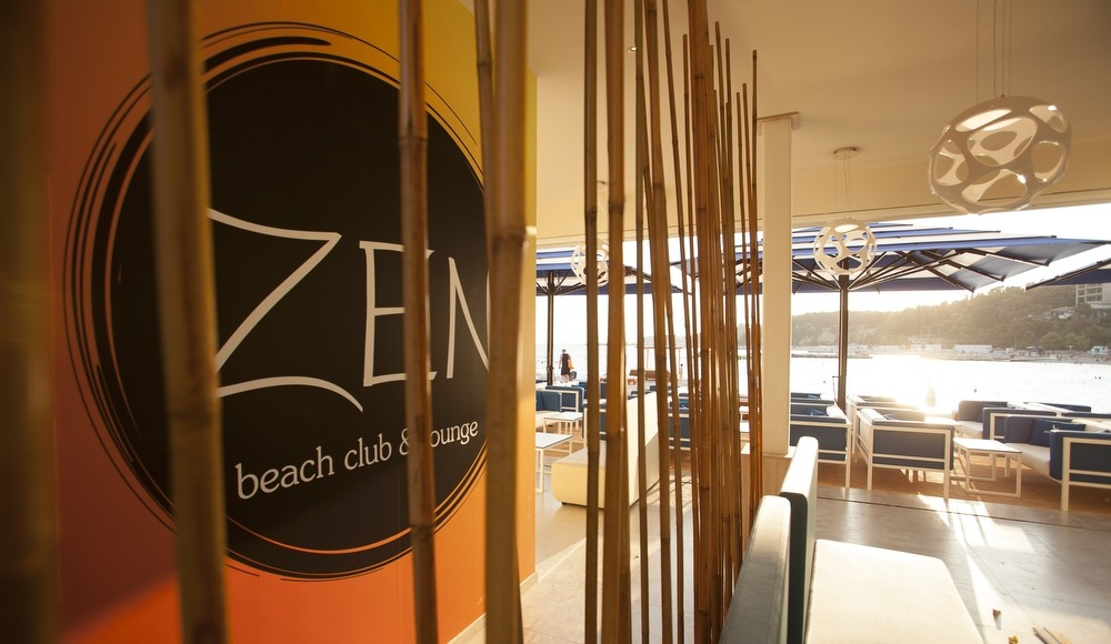 Zen Beach Club lounge (photo: promo)