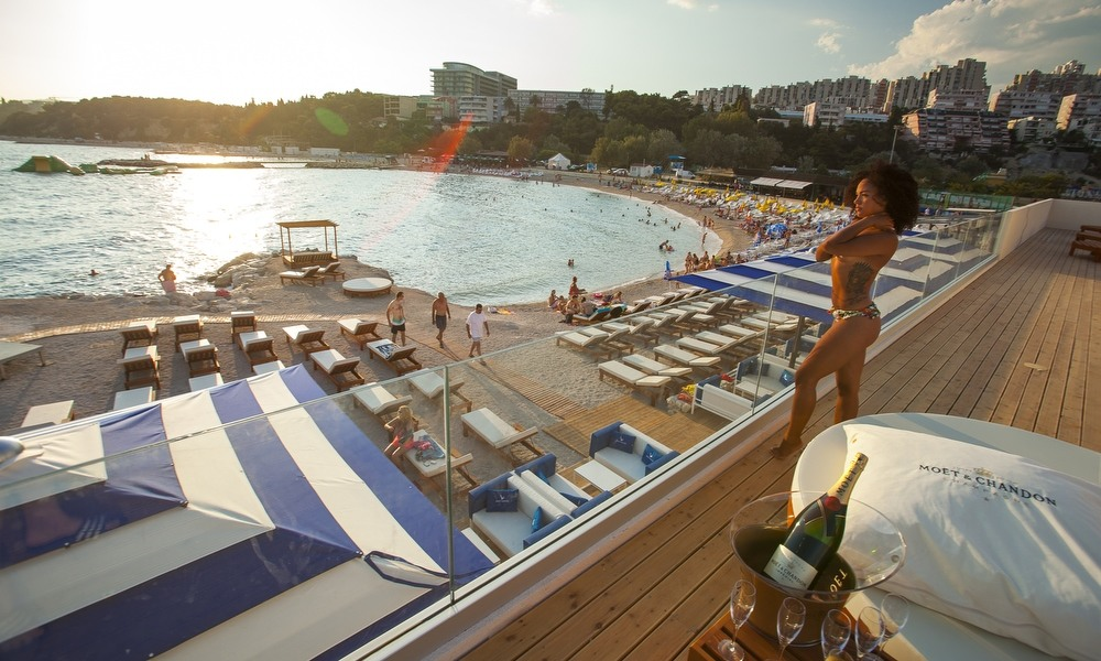 [PHOTOS] Check Out Split's Impressive New Zen Beach Club