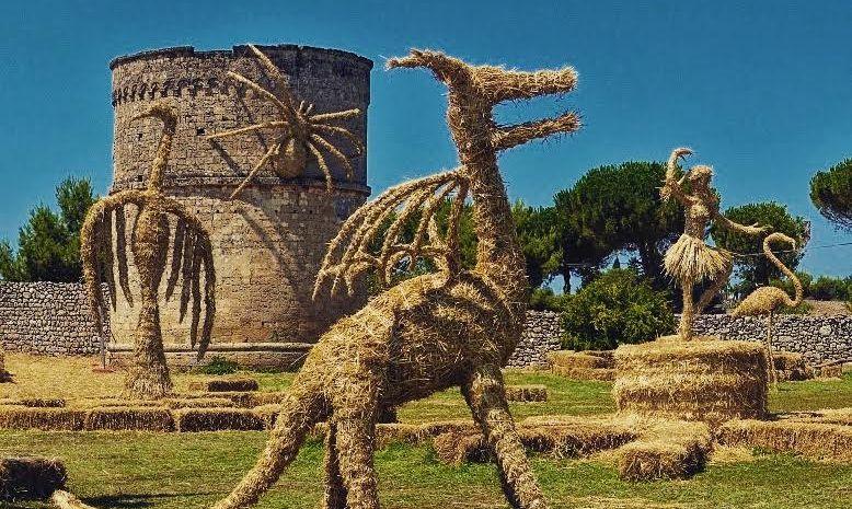 [PHOTOS] Unique Straw Sculptures to Grace Central Zagreb Art Park