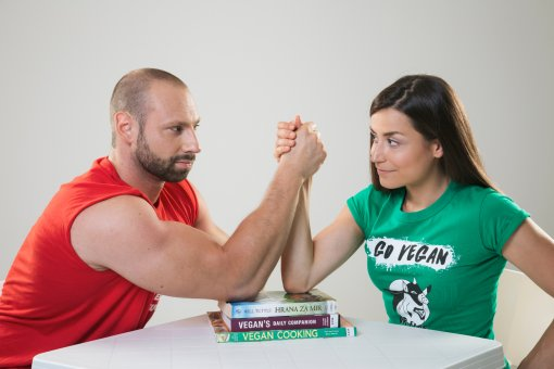Herb-Power Fitness Couple Promoting ZeGeVege in Zagreb