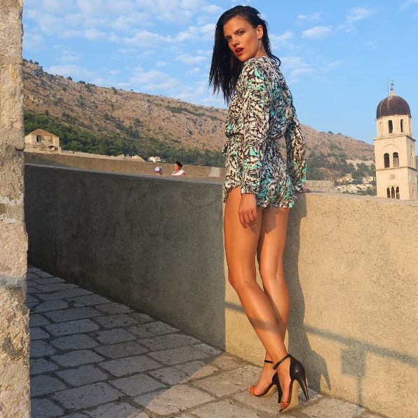 Lemonaki in Dubrovnik (model: Helena Ivancic)