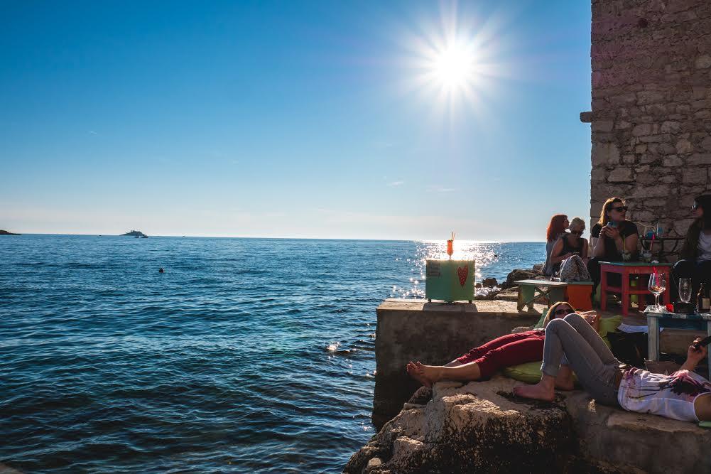 [PHOTOS] Rovinj's Charming Mediterraneo Bar on the Rocks