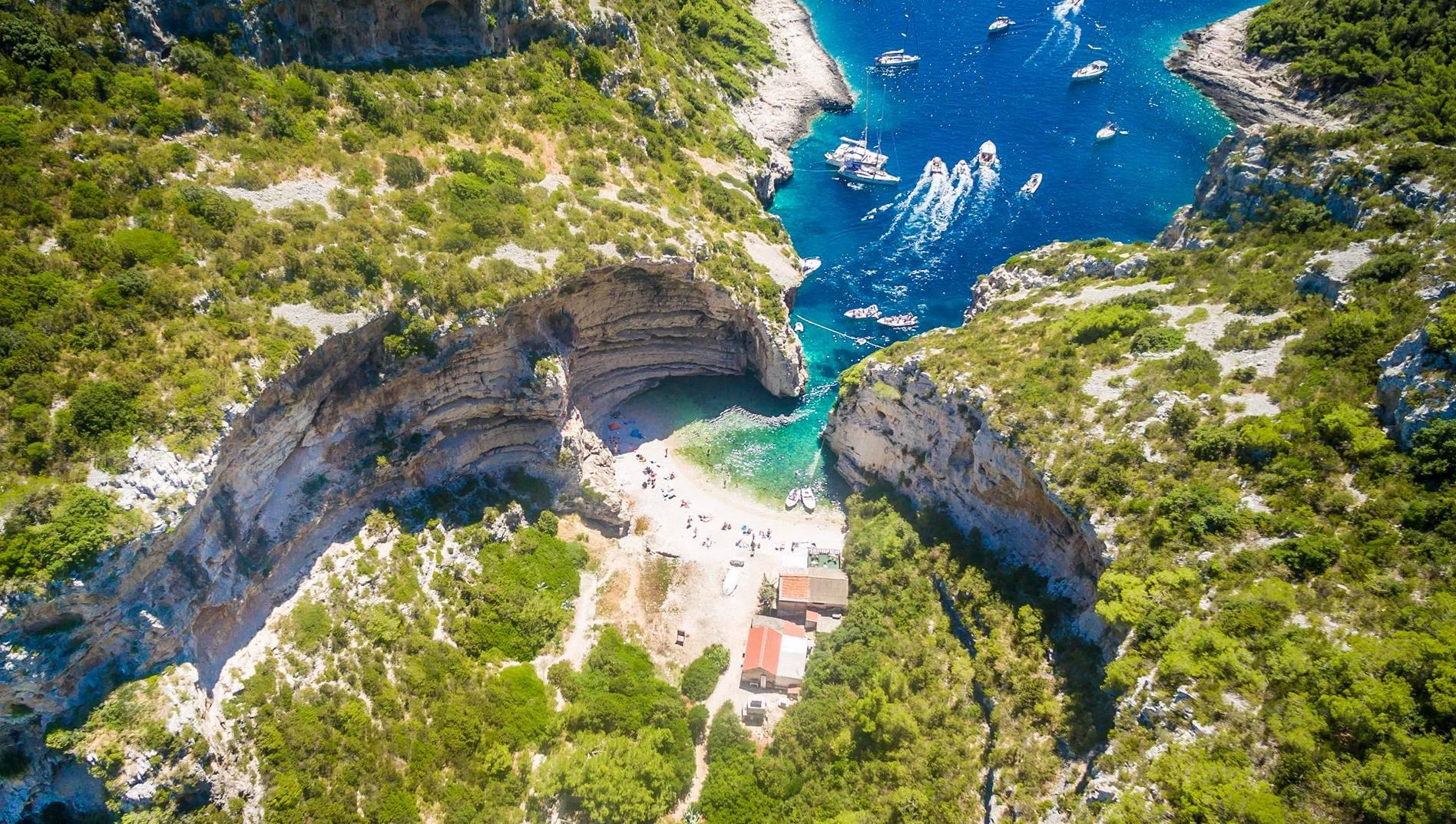 [VIDEO] Breathtaking Footage of the Croatian Coast