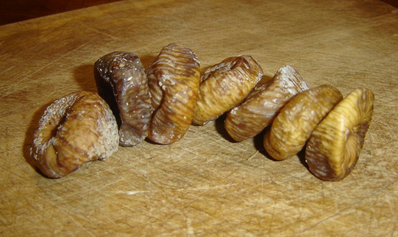 Dried figs are a great source of energy (photo credit: Lobo under CC)