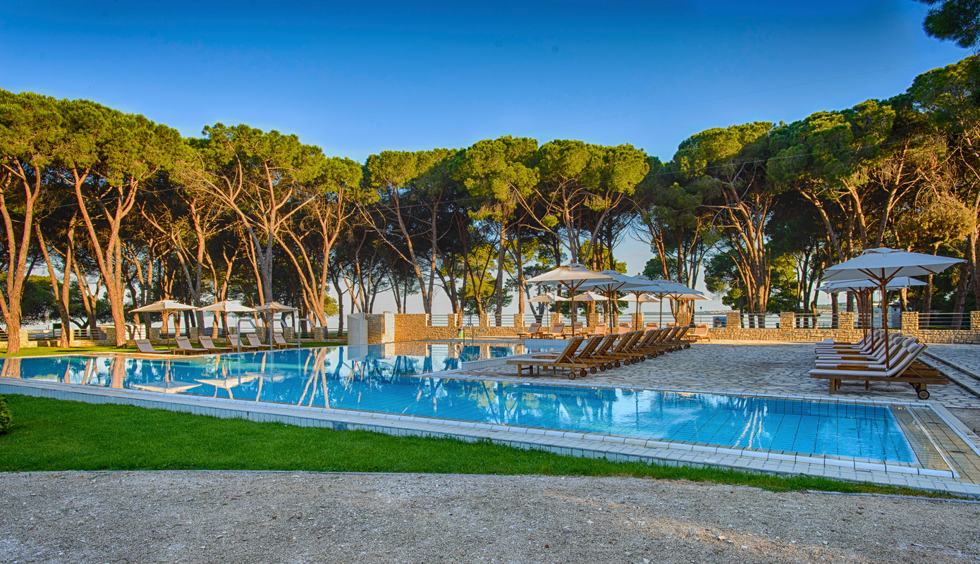 Chic Boutique: The Allure of Smaller Hotels & Zadar's Enchanting Adriana