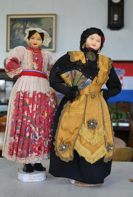 Croatian dolls in national costume