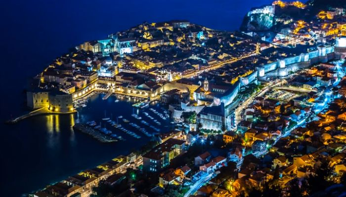 Dubrovnik City Walls to Open at Night for Tours?