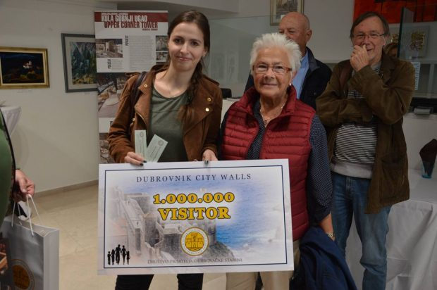 Theresa Kunz with her grandmother Siegrid Barh yesterday in Dubrovnik (photo credit: justdubrovnik.com)