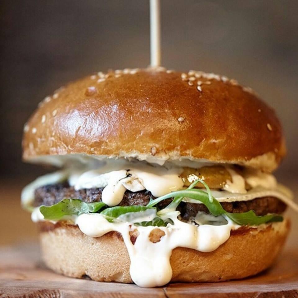 Submarine BBQ burger (photo credit: Submarine BBQ)