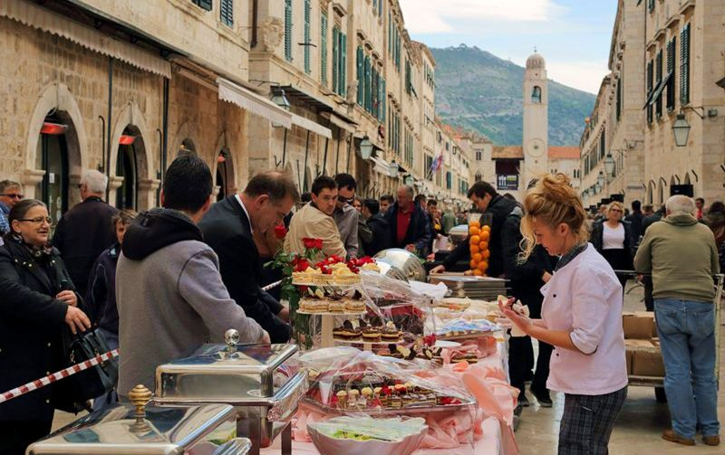 120-Metre Dining Table on Dubrovnik's Stradun to Mark End of Tourist Season
