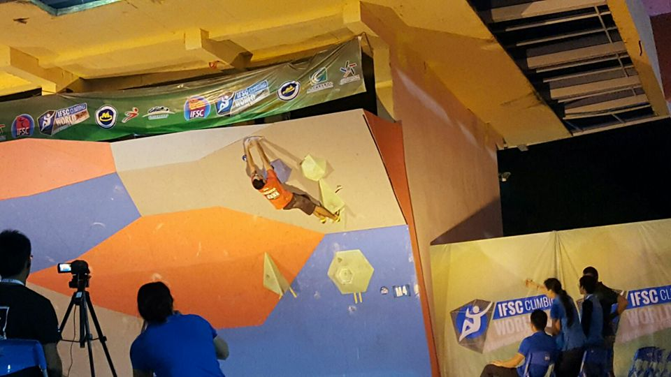 Borna in action in the final (photo credit: Croatian Climbing Team)