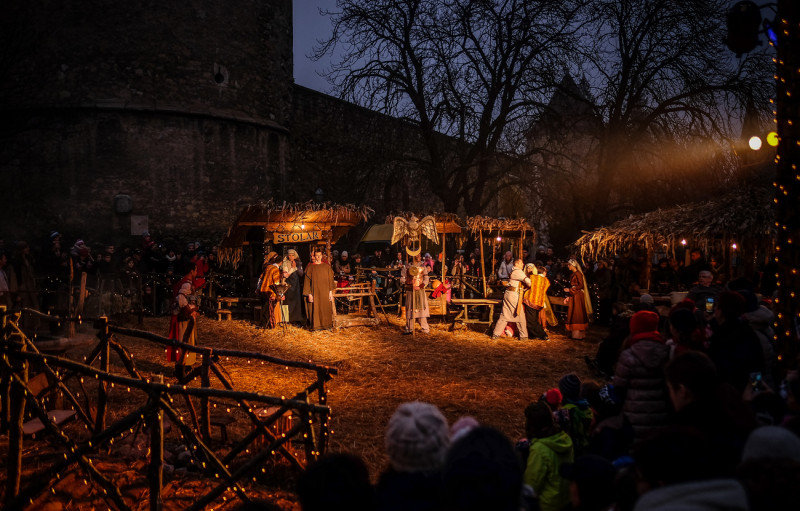 Live Nativity scene near the Cathedral (photo credit: Zagreb Tourist Board)