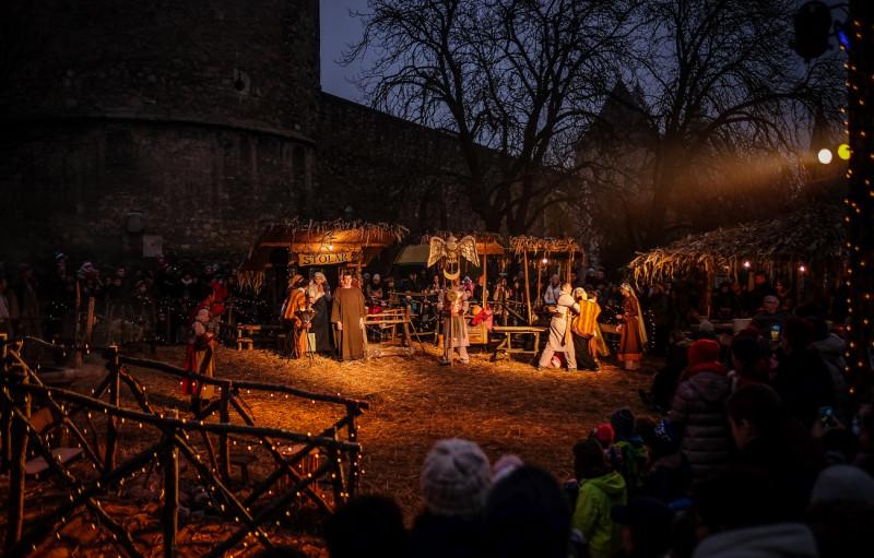 Live Nativity scene near the Cathedral (photo credit: Zagreb Tourist Board)