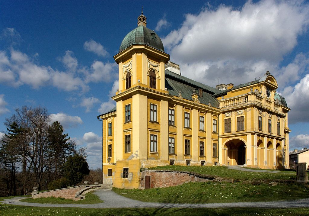 Pejačević castle (photo credit: Samir Buimcic under CC)