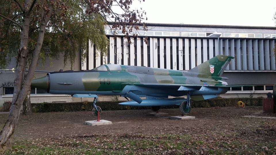 MiG-21 Jet Fighter 'Lands' in Front of Zagreb University