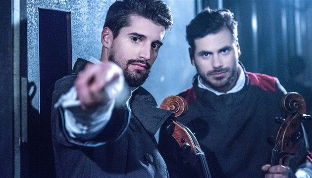 [VIDEO] 2CELLOS Pay Tribute to Freddie Mercury with Rendition