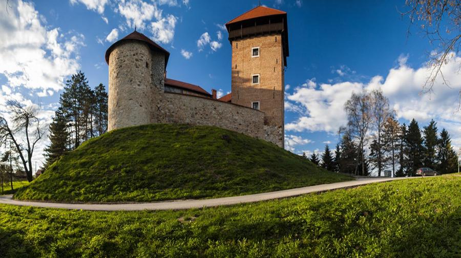 Dubovac (photo credit: Karlovac-touristinfo.hr)