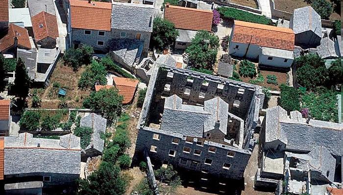houseinahouse