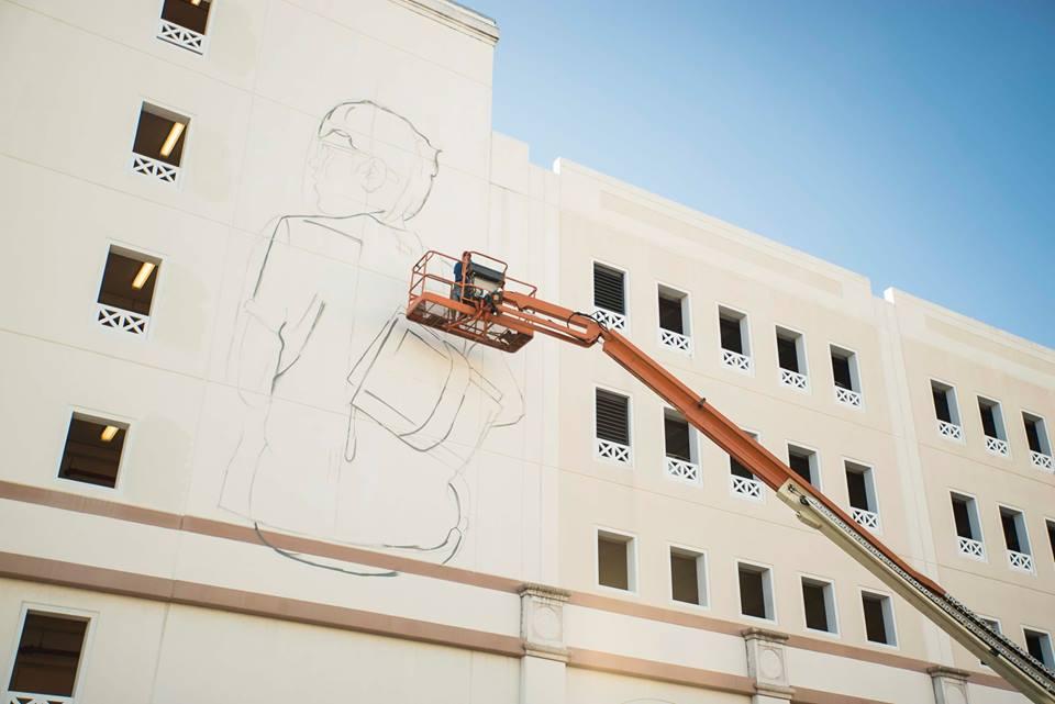[VIDEO] Watch Croatian Artist Lonac Complete Giant Mural in the US