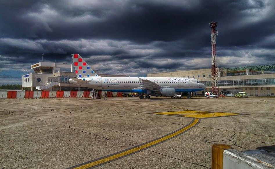 [PHOTOS] Pula Airport Closed as Runway Reconstruction Starts