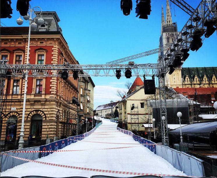 [PHOTOS] Centre of Zagreb Turns into Ski Slope