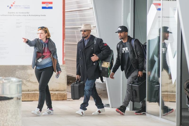 [PHOTOS] Jamie Foxx Arrives in Dubrovnik