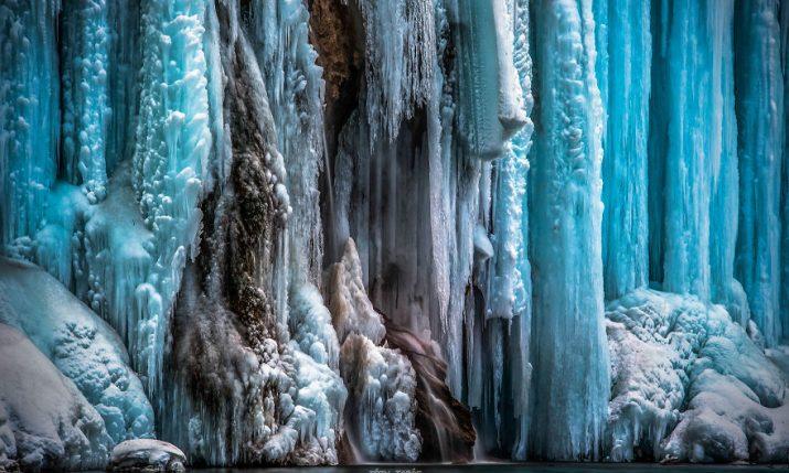 [PHOTOS] Amazing Frozen Plitvice Lakes as Never Seen Before
