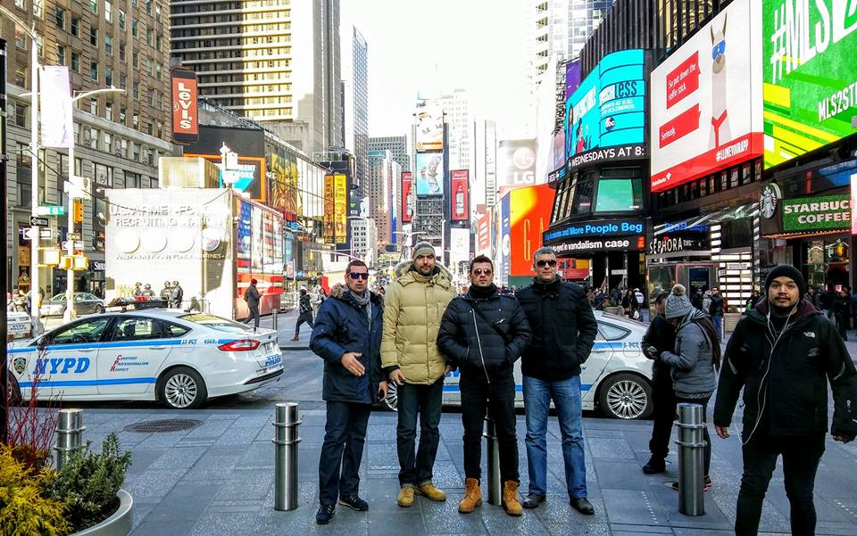 [VIDEO] Impromptu Croatian Klapa Performance in New York's Times Square
