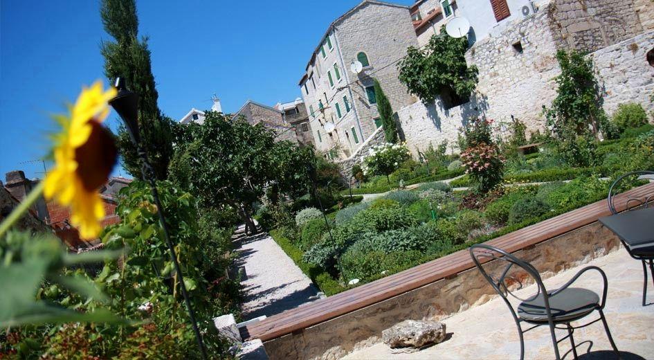 聖ローレンス修道院の中世の庭