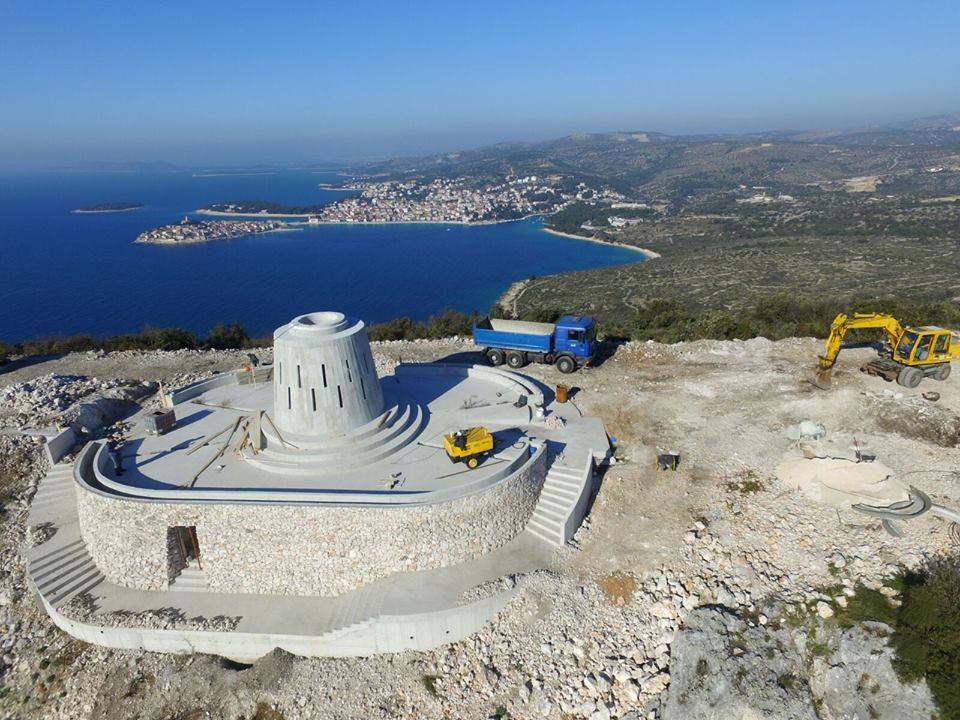 Huge 17-Metre Virgin Mary Statue Being Constructed on Hill in Dalmatia