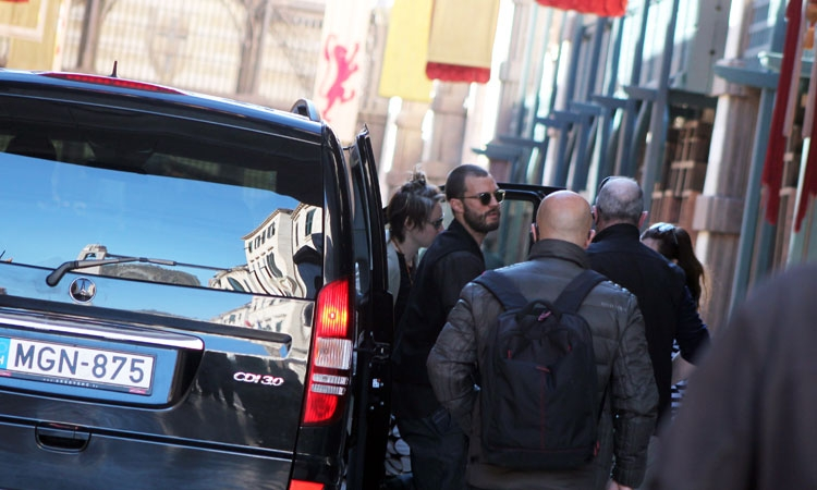 [PHOTOS] Jamie Dornan Arrives on Set in Dubrovnik