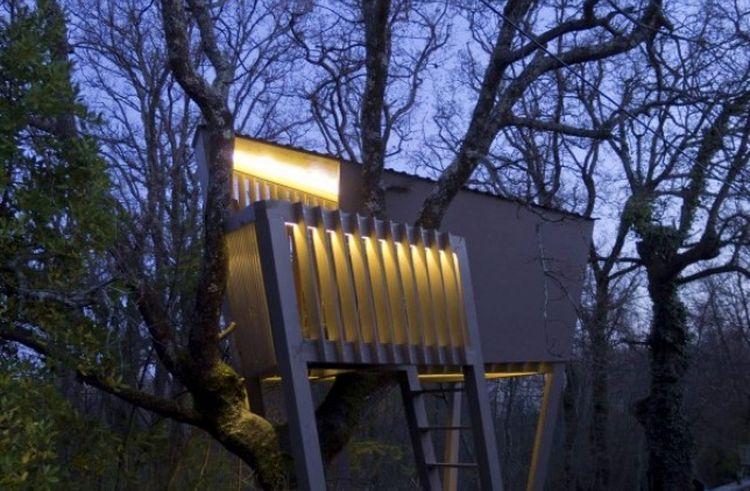 Croatian Architect Creates Dream Treehouse for Friend