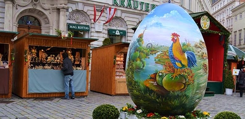 120 kg Decorated Croatian Egg on Display at Old Vienna Easter Market
