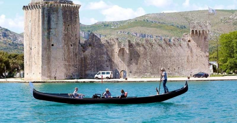 Original Venetian Gondola Rides Now on Croatian Coast