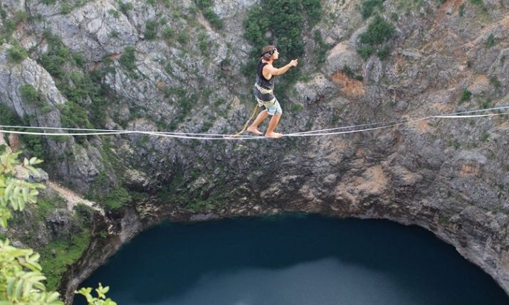 [VIDEO] Spectacular First Ever Slackline Across Red Lake in Imotski
